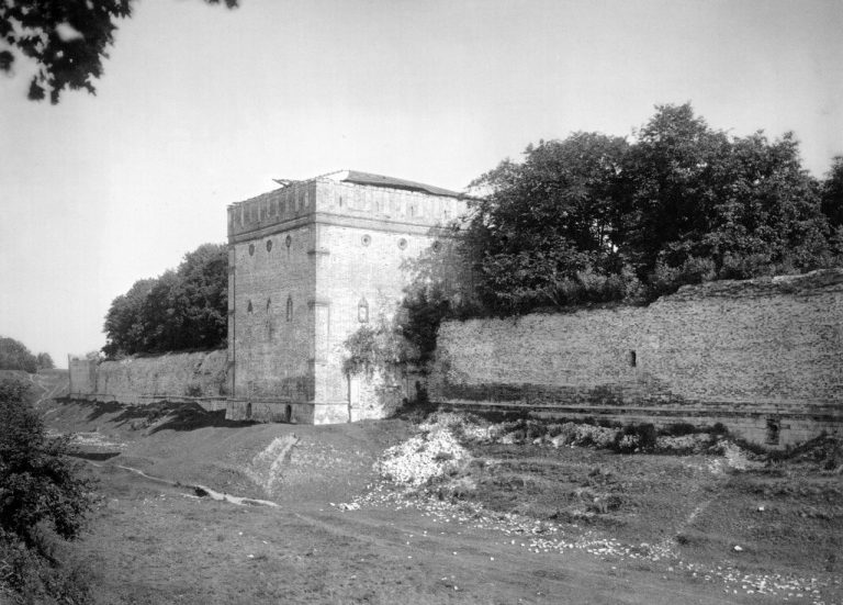 Смоленская крепостная стена начала XX века. Южная часть