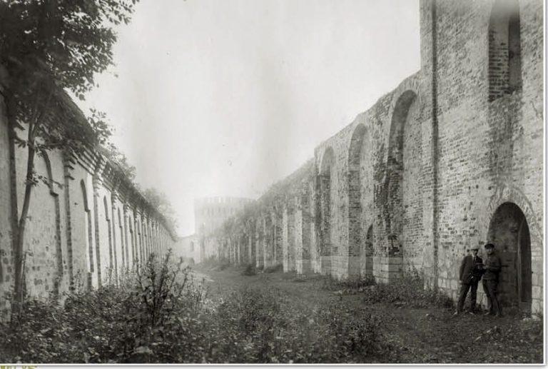 Авраамиев монастырь - стена внутри стены