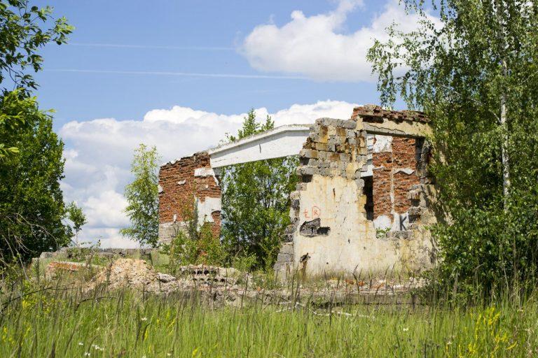 """Постапокалиптические руины на аэродроме """"Северный"""""""