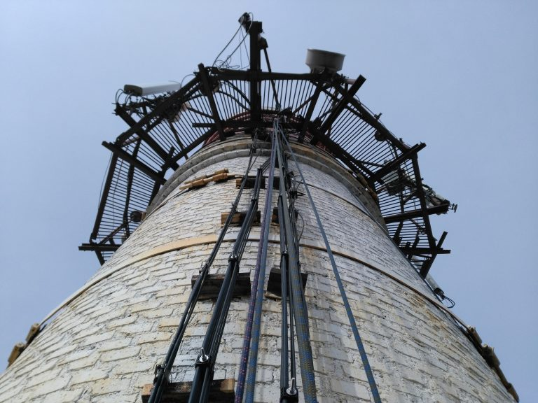 Кирпичная труба на ламповом заводе Osram