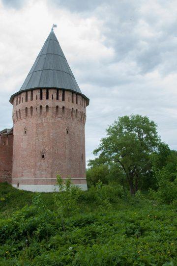 Заалтарная башня