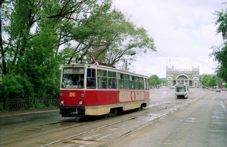 1994, выезд с ж/д вокзала
