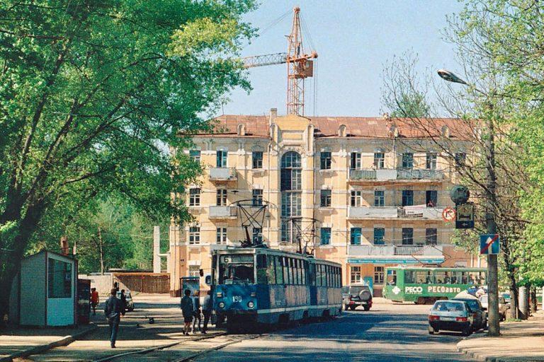 Апрель 2001, ул. Исаковского