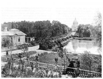 Чаши Микешина в Лопатинском саду