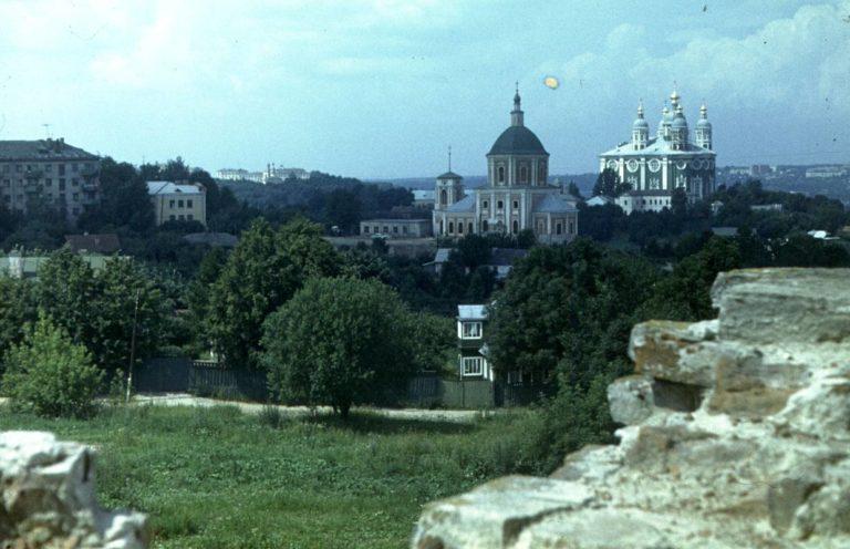 Вид с крепостной стены на Соборный холм, 1982
