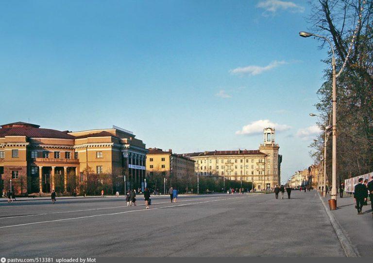 Площадь Ленина, 1971-1976