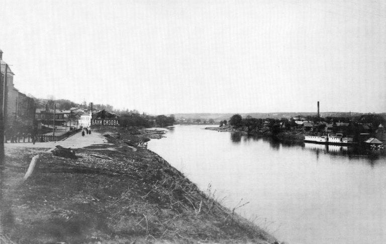 Богословская набережная, Пятницкая пристань — справа