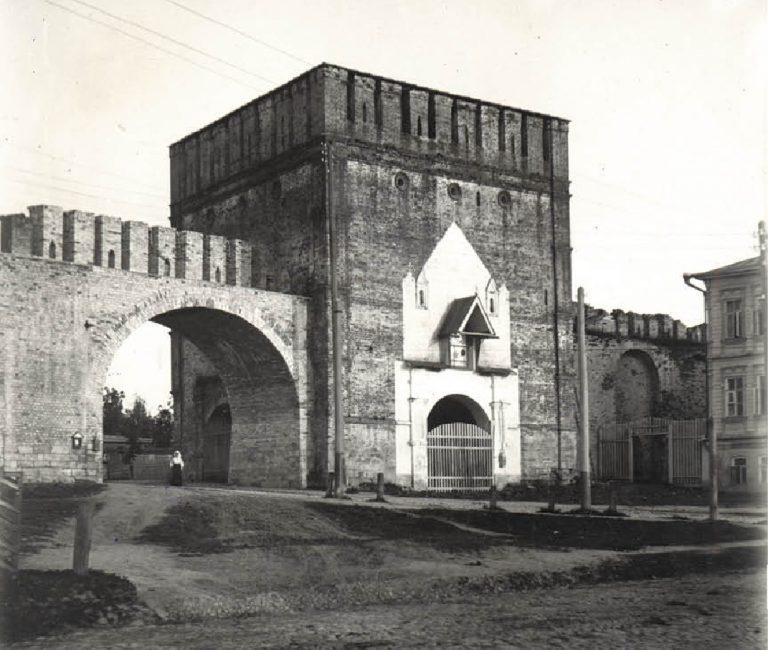 История проезда в Никольской башне