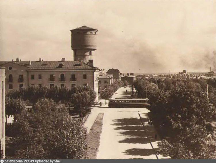 Водонапорная башня на улице Мира, 1 в Смоленске