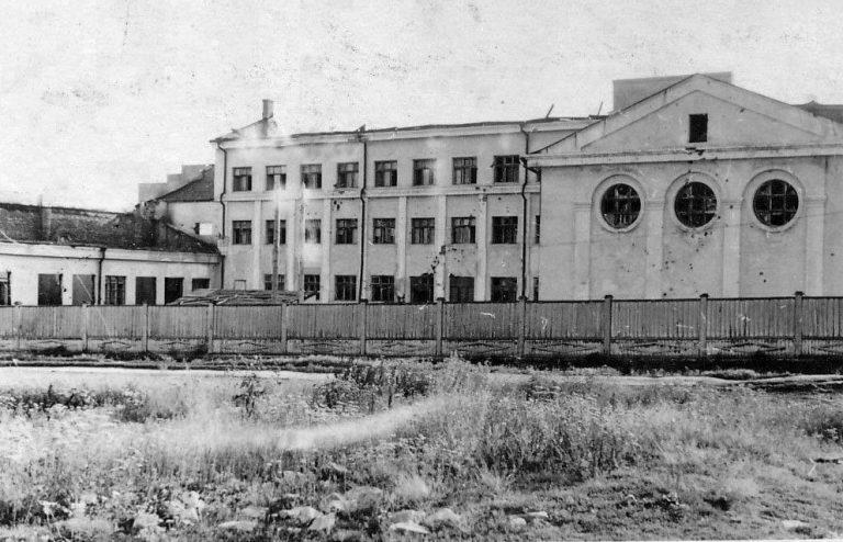 Главный корпус училища. Вид с востока, с современной ул. Лавочкина.