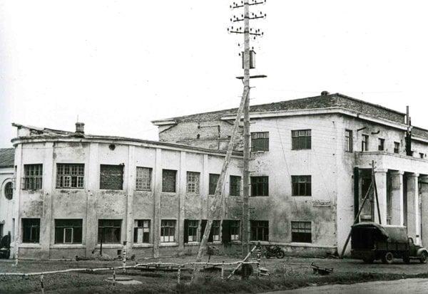 Главный корпус. Вид с северо-запада ( с территории военного городка)