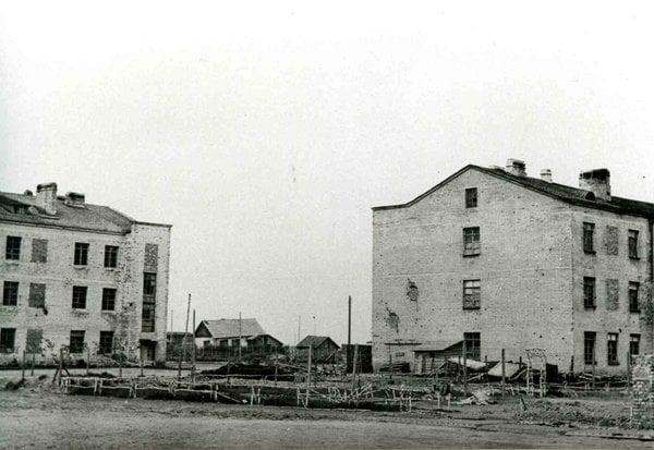 Здания училища
